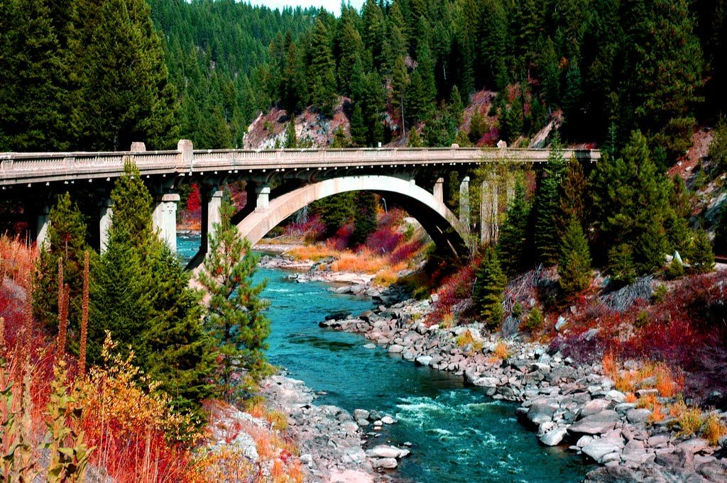 Idaho Rainbow Bridge Architecture